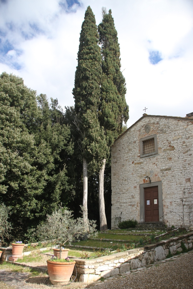The chapel next to Castiglionchio Agriturismo. In daylight.